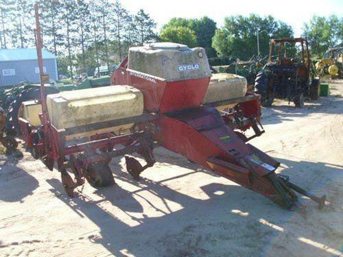 Used International 400 Planter Parts