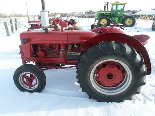 Used International W4 Tractor Parts