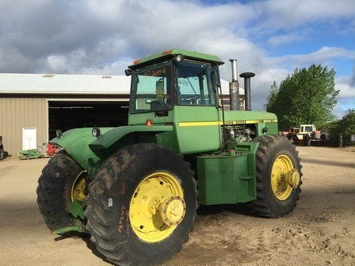 Used John Deere 8640 Tractor Parts