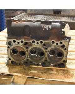 407085 | Cylinder Head | New Holland C185 L180 L185 LS180 LS185 LT185B |  | 4895808 | 4895802
