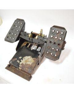 433976   Foot Control Assembly   John Deere CT332 317 320      AT322533   AT322529   AT322709   KV15572   T215554