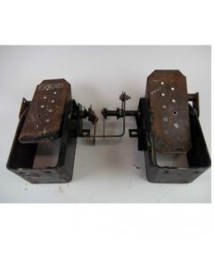 431640   Foot Control Assembly   John Deere 6675 7775   New Holland L565 L865 LX565 LX665 LX865 LX885 LX985      MG9622462   9622462   MG86639936   MG9826786   86591481   86546547