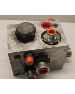 433673 | Hydraulic Control Valve | PTO Charge Regulator | Case IH 7120 7230 7240 8120 8230 8240 9120 9230 9240 |  | 87645687