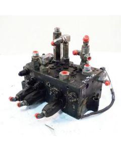 432160 | Hydraulic Control Valve  | Kubota SVL95-2 |  | V0631-63813 | V0631-63812