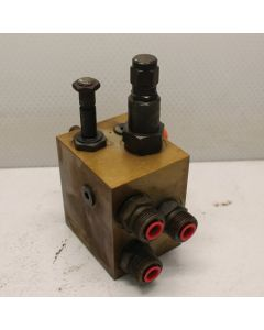 433674   Hydraulic Manifold   Case IH 7120      87708945